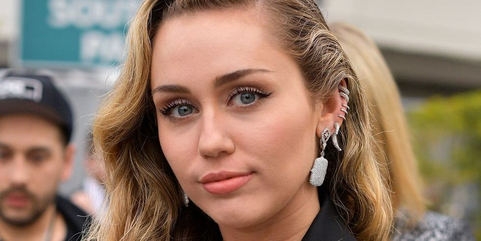 Miley Cyrus Cut Her Hair Into a Bowl Cut–Mullet Hybrid and I Bow Down