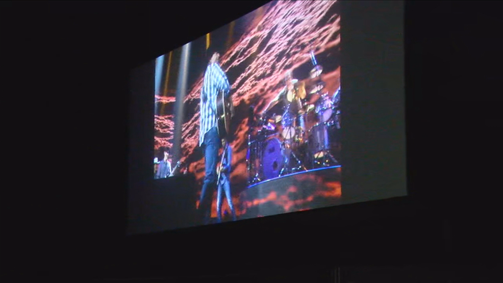 Garth Brooks concert plays at drive-in theaters across the country, including Starlite