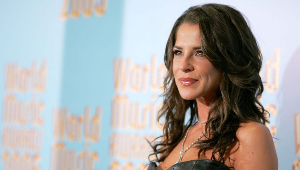 'General Hospital': Kelly Monaco Temporarily Quarantined After Having Issues With Her Mask on Set